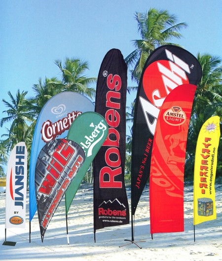 drapeaux - différentes formes de beach flags ou drapeaux plumes