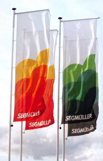 drapeau plv - bannières publicitaires fixées sur potence et mât à pommeau